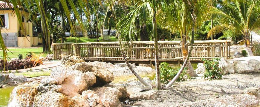 african zoo bridge and fencing