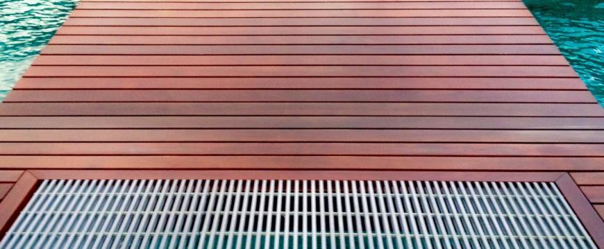 Grids in Ipe Dock